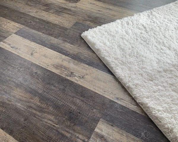 custom vinyl flooring in your new shed room studio!